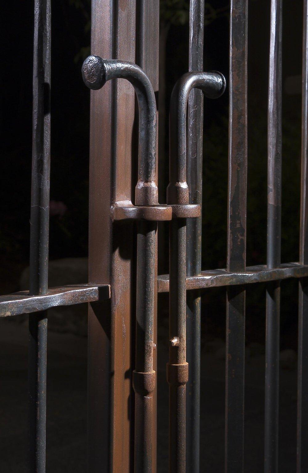 Img0349 gate handle detail.jpg