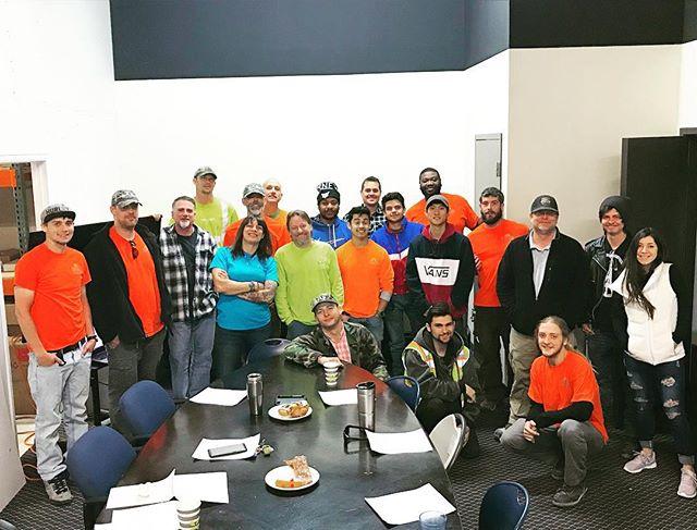 What a crew! Teamwork makes the dream work! #team #workfamily #das #publicsafety #wesavelives #proud #ppe #highvis #install #hardwork #gettingitdone 👷♀️👷♂️