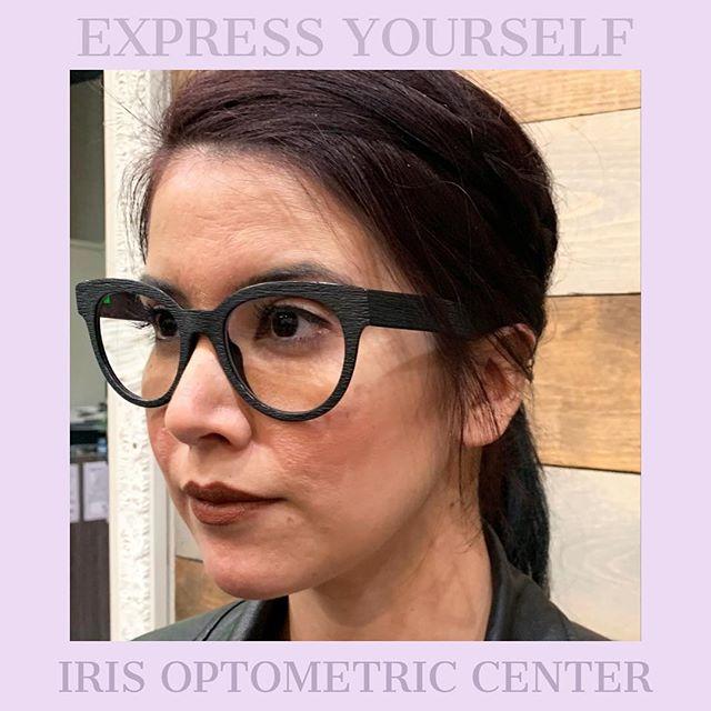 Don't settle for glasses that don't reflect your DELIGHTFUL personality! • • • #nationalwomensmonth #readyforspring #fashion #eyewear #eyewearfashion #oakland #oaklandfashion #oaklandsmallbusiness #optometry