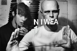 niwea_bw.jpg