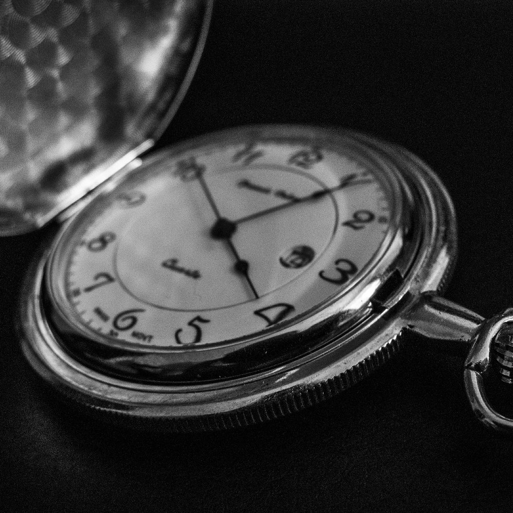 pocket-watch-420014_1920.jpg