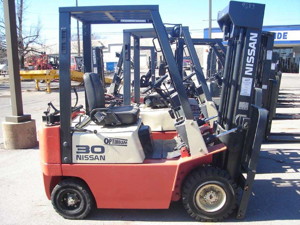 2001 Nissan Forklift JP30LP.jpg