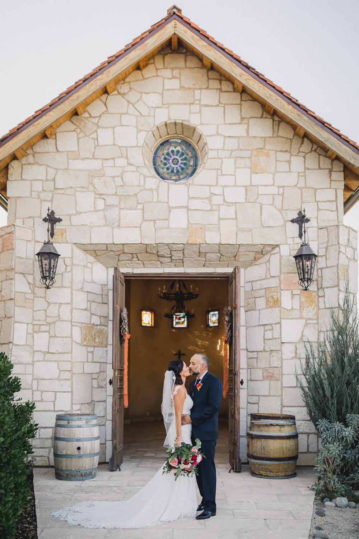Paso-Robles-Allegretto-Vineyard-Resort-Wedding-Photographer-160.jpg