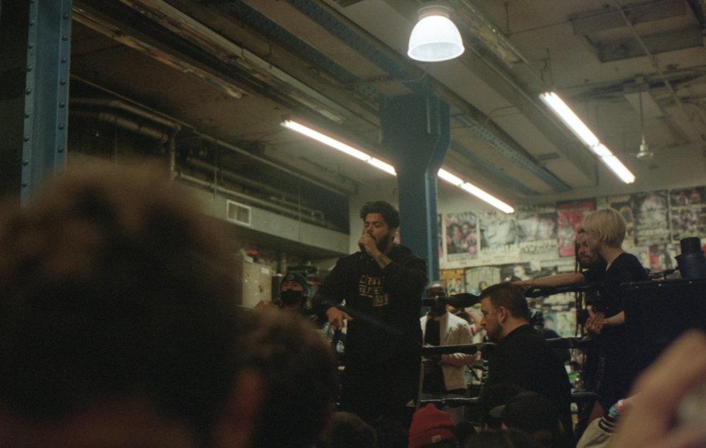 boxingringyelling.jpg