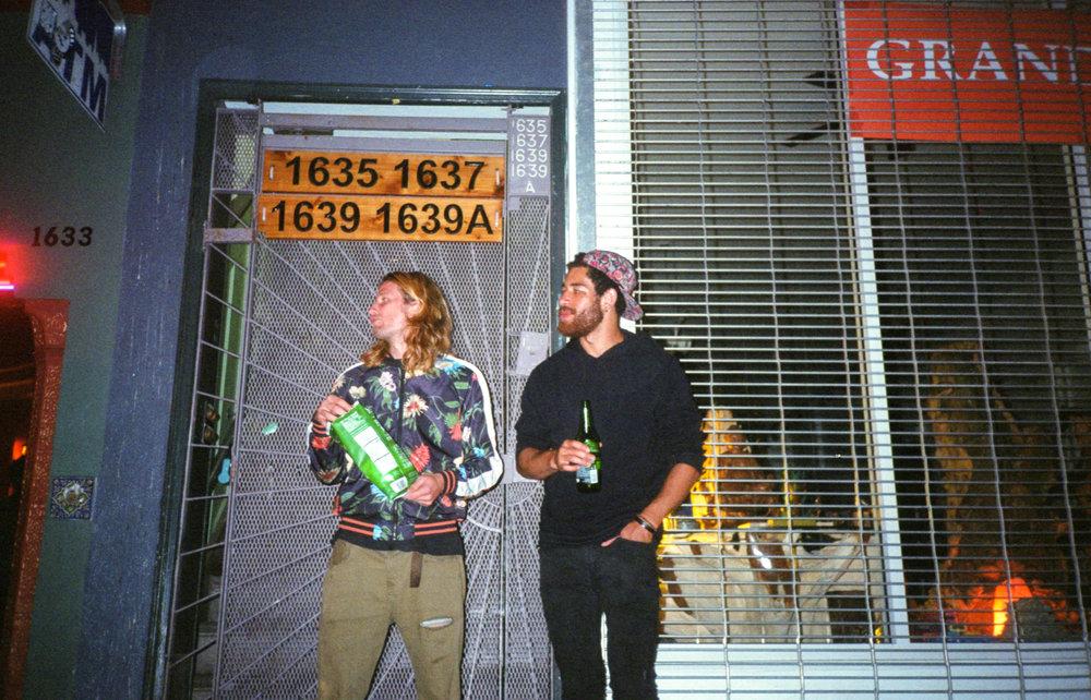 drinksoutsidethebar-874.jpg