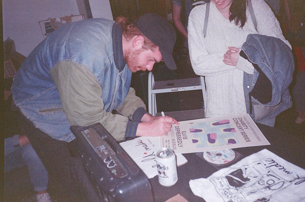 signingautographs-64120011.jpg