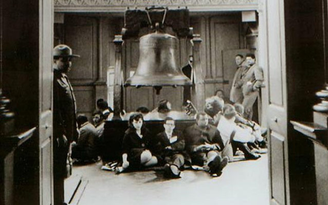 A sit-in at the Liberty Bell, March 1965. National Park Service photo