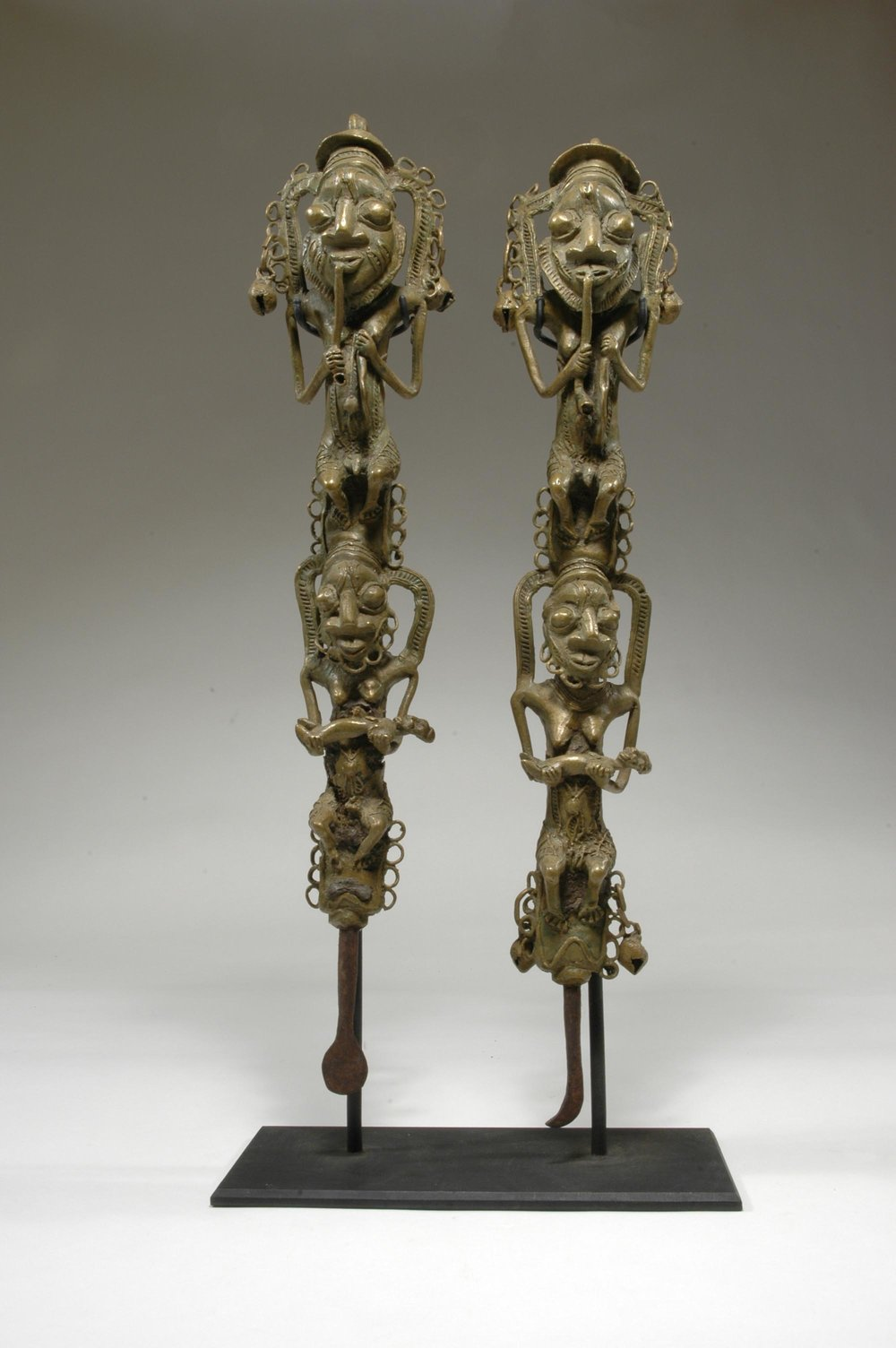 Artist unknown (Yorùbá peoples, Nigeria), figurated staffs for Ògbóni society ( ẹdan  Ògbóni), 19th century, iron, copper alloy (cast). Charles and Kent Davis