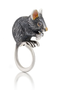 "Manya Tessler,  Peter the Mouse , 2013. Sterling silver, enamel, onyxes, pearl, 2"" × 1"" × 0.75"". Photo: Hap Sakwa."