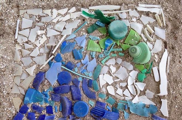 Marine Debris Artwork - Create art using plastic pollution and marine debris.