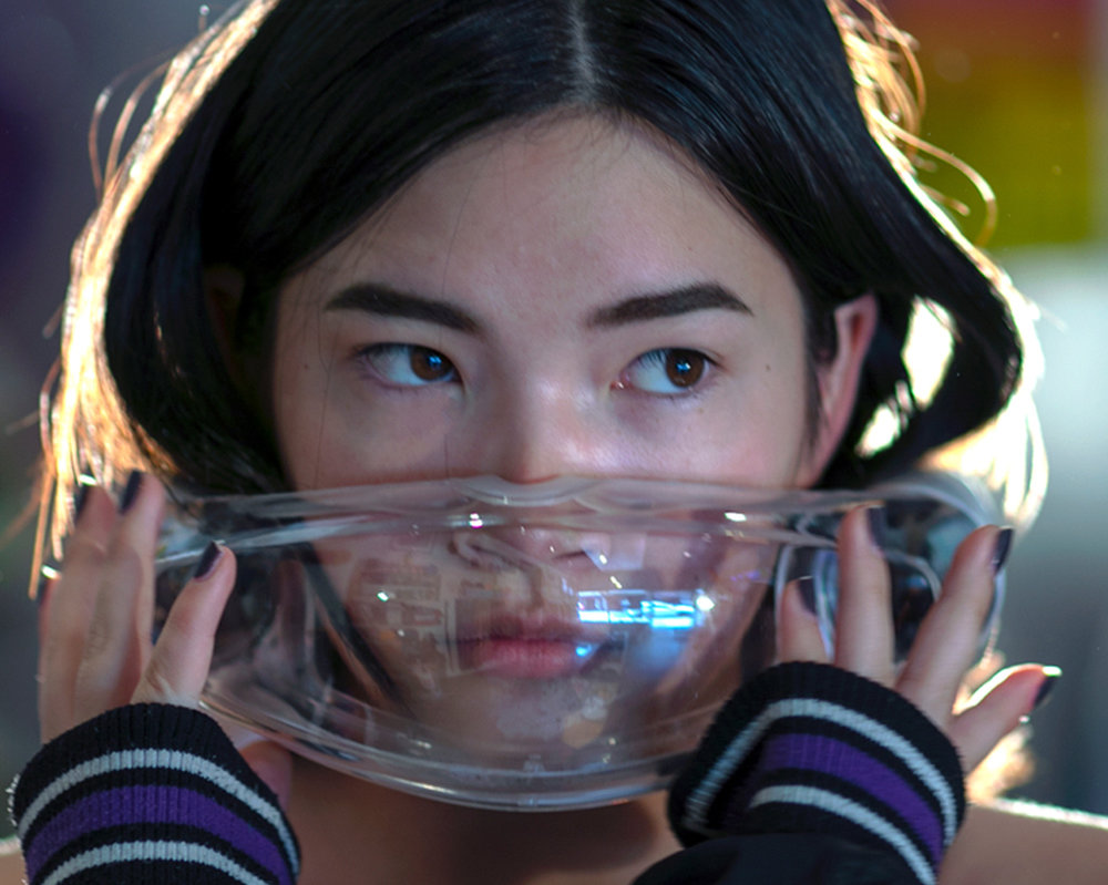 Better protection anywhere & anytime - Facewear creates a clean air environment for you to breath requiring no seal around the mouth and nose. Facewear cleans polluted air using proprietary active nano-filtration that captures the smallest of damaging airborne threats.