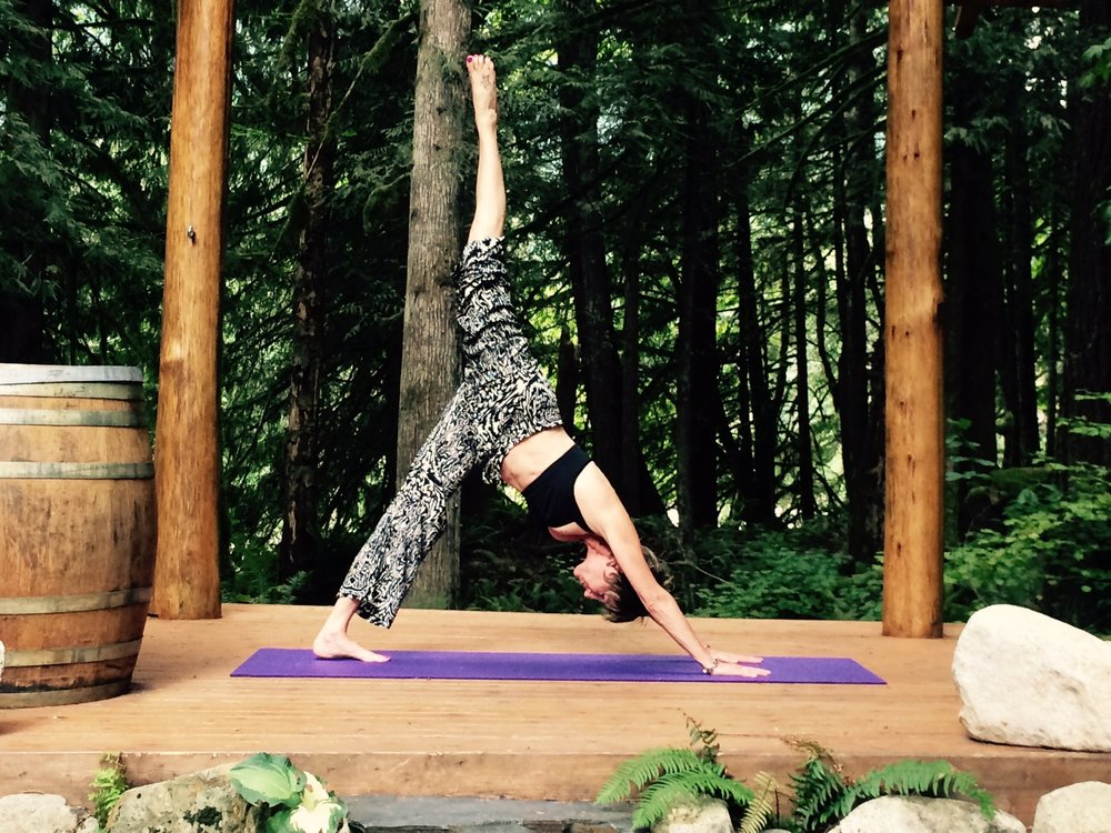 Nina yoga pic.jpg