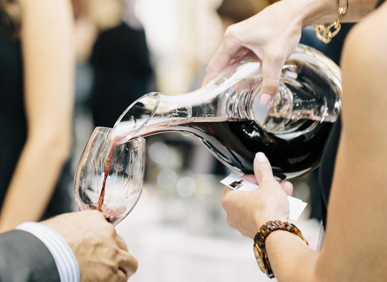 valpolicella-prosecco-trade-media-wine-tasting-wine-pour.jpg