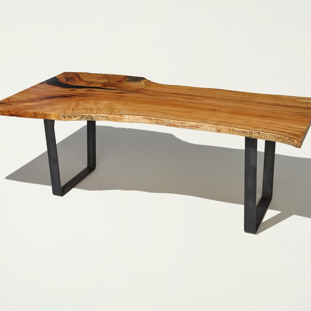 Species: Figure Maple  Dining table or desk