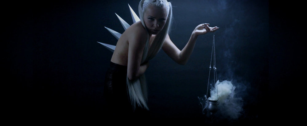 KERLI - Diamond Hard (OFFICIAL MUSIC VIDEO)_Web H.264_4k.00_02_01_13.Still036.jpg
