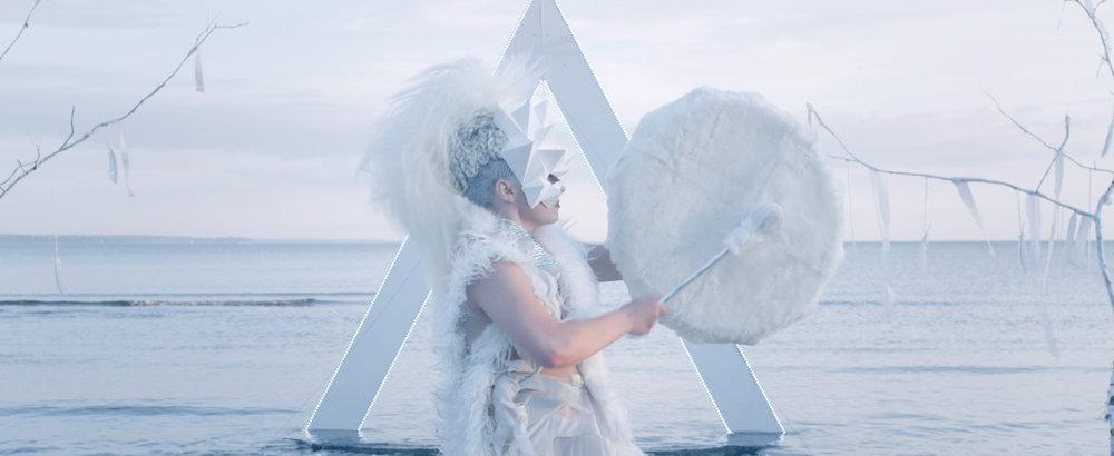 KERLI - Diamond Hard (OFFICIAL MUSIC VIDEO)_Web H.264_4k.00_03_06_03.Still048.jpg