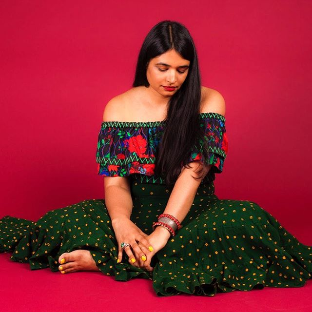 The beautiful Sheena of @abacaxinyc! Abacaxi is a New York based brand focusing in traditional textile techniques & innovative cuts with a South-Asian influence 🍍 . . .  #itmeanspineapple #womenowned #womenownedbusiness #buywomenowned #womenincharge #leadingladies #southasian