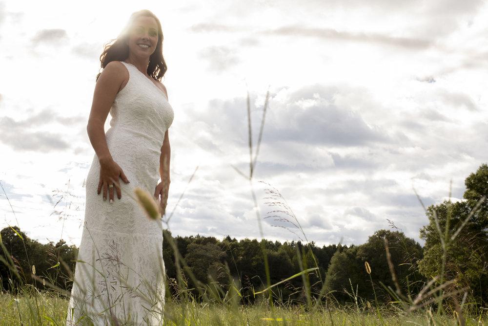 dreamy-bride-field-lace-dress-one-shoulder.jpg