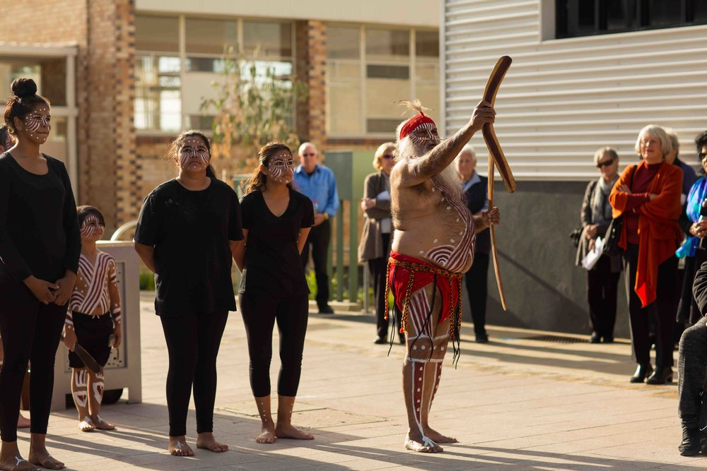 Opening ceremony by Major Sumner and the Tal Kin Jeri dancers. Photo Johanis Lyons-Reid / Change Media