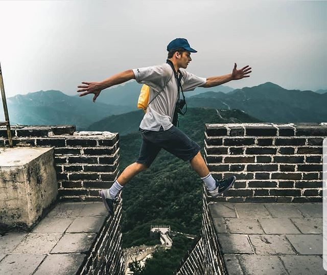 When #touring #china you can't not go visit the #greatwallofchina. 🏯⛩🙌🐉 Repost Photo of @hungryjaack by @bennybucho @acegldn . . . . . . . . . . #greatwall #explore #leap #explorer #Beijing #bboys #bboy #travel #traveller #tour #tourlife #dance #dancers #dancer #circle #jump #foshan #temple #garden #freeze #bboying #break #MINDED #elementscollective