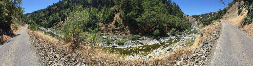 Panorama_of_California_mountains.jpg