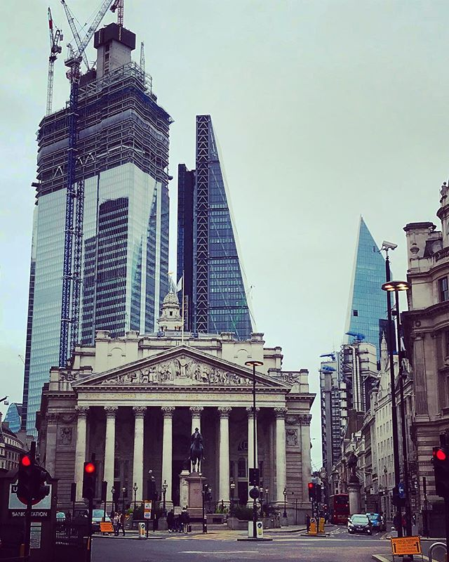 "The #City of #London is the #economic powerhouse of the #UK. Here is part of it viewed from #Bank Junction . . . The Royal Exchange 💷is in the foreground. The modern buildings of the ""eastern cluster"" behind, from far left to right are... . . . 🍖70 St Mary Axe AKA ""The Can of Ham"" 😴22 Bishopsgate 🥒30 St Mary Axe AKA ""The Gherkin"" - you can see the tiniest little silver 🧀 The Leadenhall Building AKA ""The Cheese Grater"" 💰The Lloyd's Building 🔪The Scalpel - official name! . . . I like the majority of them, and the look of them together as a whole. What do you think? 🤔 💭 . . . . . . #cityoflondon #thesquaremile #banking #money #finance #history #london #historywalks #architecture #walkingtours #architecturetour #royalexchange #canofham #thegherkin #thecheesegrater #thescalpel #easterncluster #skyscrapers #skyline #cityskyline #bankjunction #cityarchitecture #oldandnew #modern #ancient"