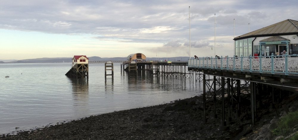 Mumbles Pier and lifeboat station.jpg