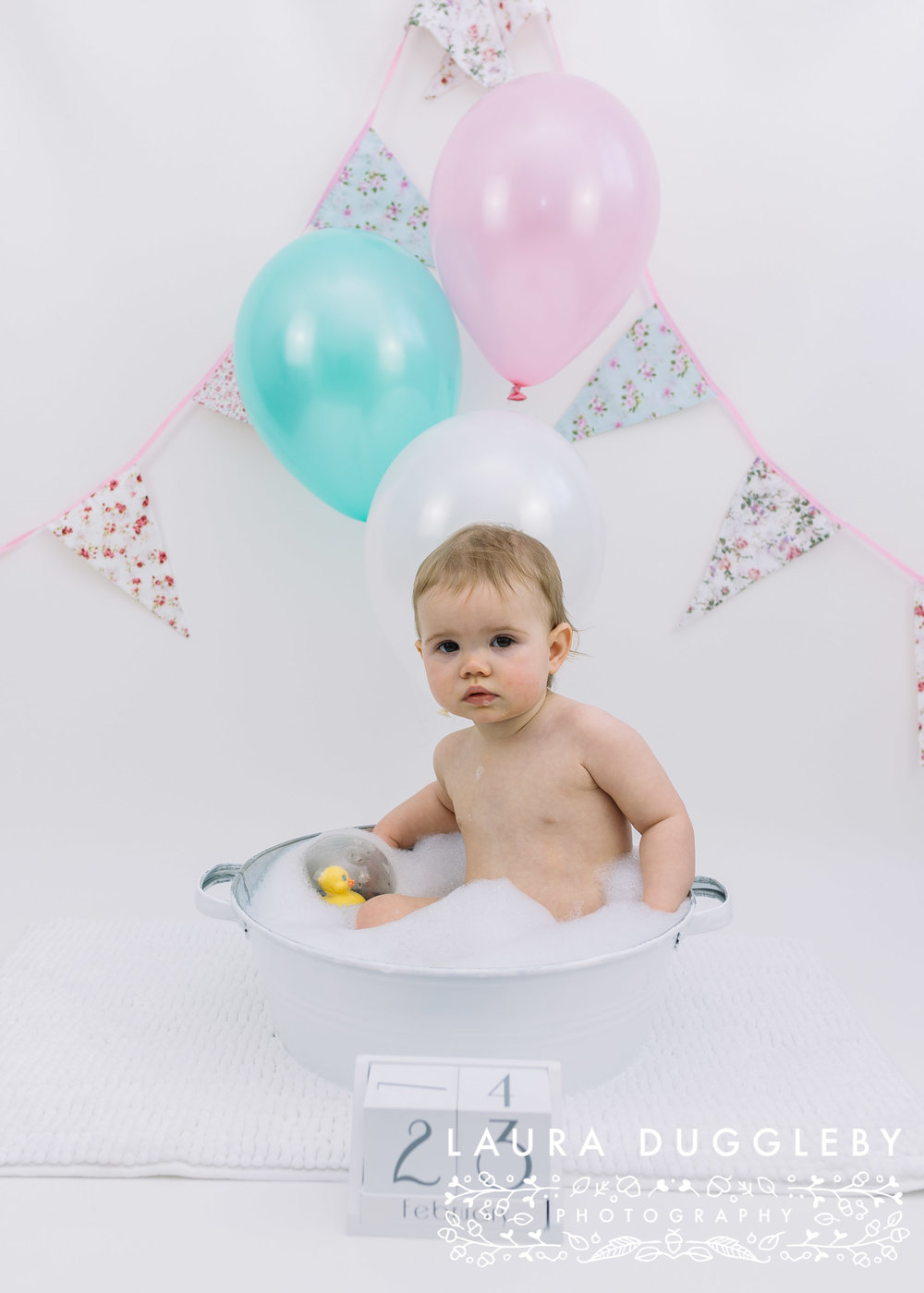 cake smash and splash session Rossendale