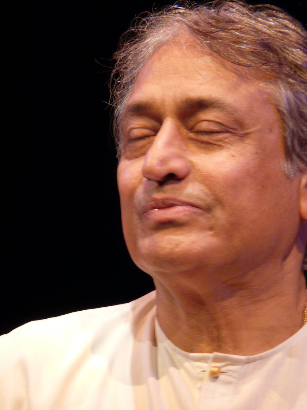 USTAD AMJAD ALI KHAN the Master of the Sarod. Living treasure of India