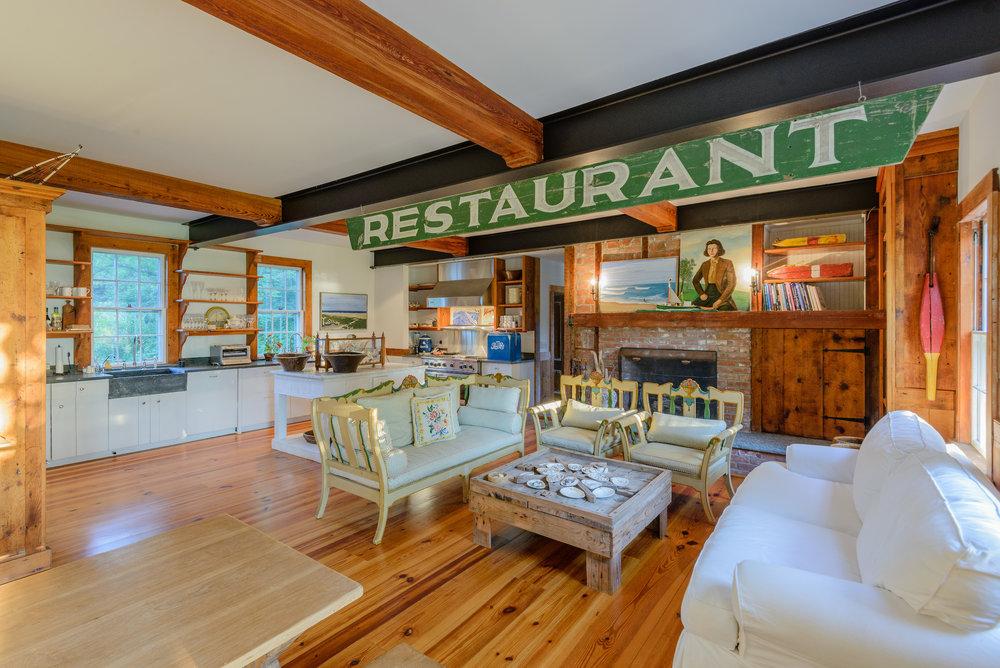 Interior_Kitchen_1.jpg