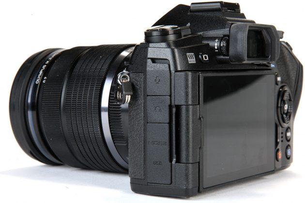 Olympus-OM-D-E-M1-II-ports-covered-630x420.jpg