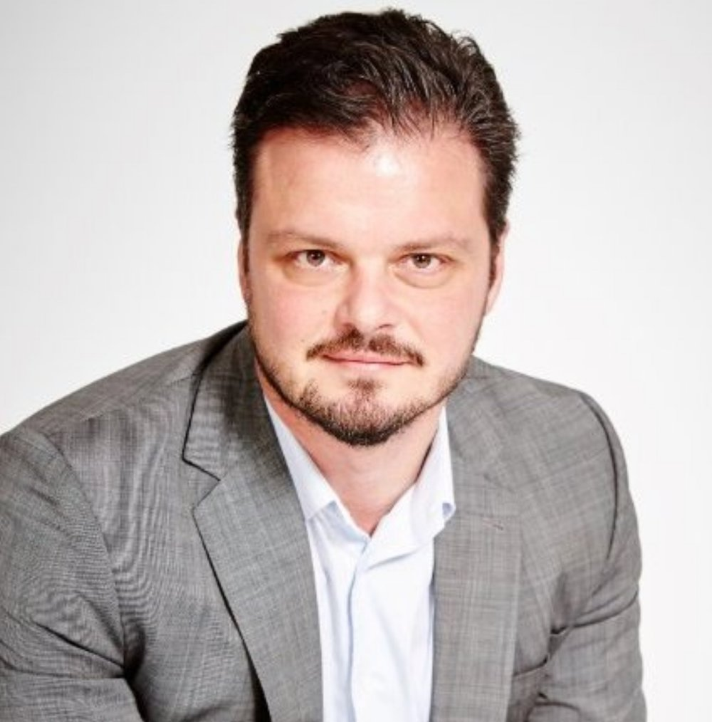 Dan Smith    Growth expert, tech-accelerator mentor, respected investor, credited advisor and founder of an innovative medical anti-ageing clinic based in the City. Vast experience in financial strategy and analysis, people development and emerging tech markets.