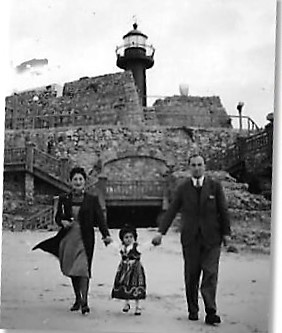 Ignas Hala and Yvonne in her Crnival Dress - Forte Santa Caterina - Figueira da Foz 1941.jpg