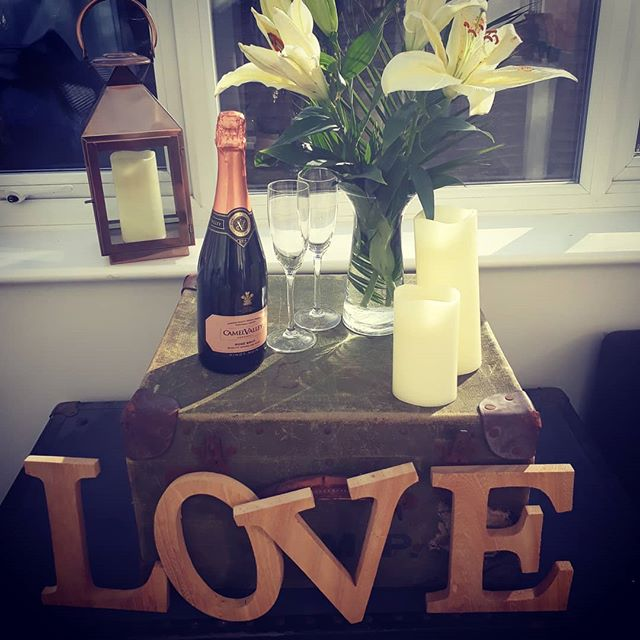 **Happy Valentine's Day** We are feeling really loved up today! If you need last minute ideas we have some treats in store! We have Love Candles by @chilterncandle.co absolutely gorgeous!! We have some amazing English Sparkling wine from @camelvalleysam Camel Valley  wine in store! We have Brightwell Vineyard Rose and Dinton Folly! We have lots of treats for your loved one! We hope you have a very romantic day!  #Valentine's #Valentine #Valentinesday #Valentine'sGifts #Valentinesgiftideas #Oxfordshire  #Buckinghamshire #Thame #Thedeliatno5 #TheChilternHills #thechilterns #English #BestofBritain #BestofBritish #EnglishSparkling #EnglishSparklingWine #ChilternCandles #ChilternCandleco #Romance #Lastminutegifts #Romantic #GreatBritishGifts #GreatBritishProduce #DintonFollySparkling #CamelValleyVineyard #CamelValleyWine #BrightwellVineyard #BrightwellWine