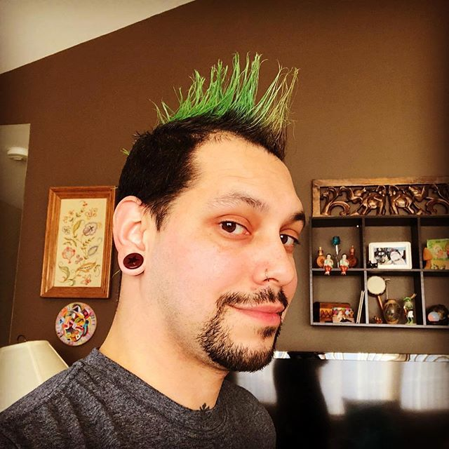 #Repost @evolalien ・・・ Rockin' my hawk for awareness! #notalone #1millionmohawks #beyourownsuperhero  #suicideprevention #ptsd #recovery #alcoholisadrug #weallstruggle #mentalhealth #talkaboutit #makeadifference ✌️
