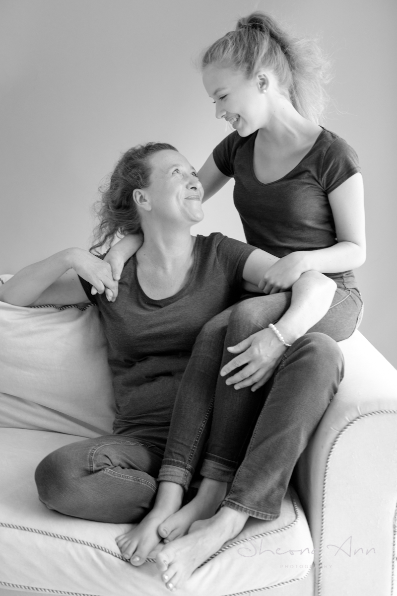Sheona-Ann_photography-mother-daughter-shoot-love (2 of 3).jpg