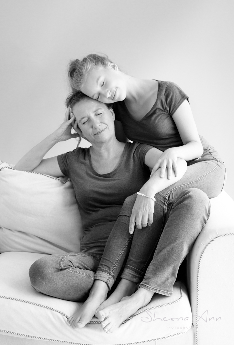 Sheona-Ann_photography-mother-daughter-shoot-love (1 of 3).jpg