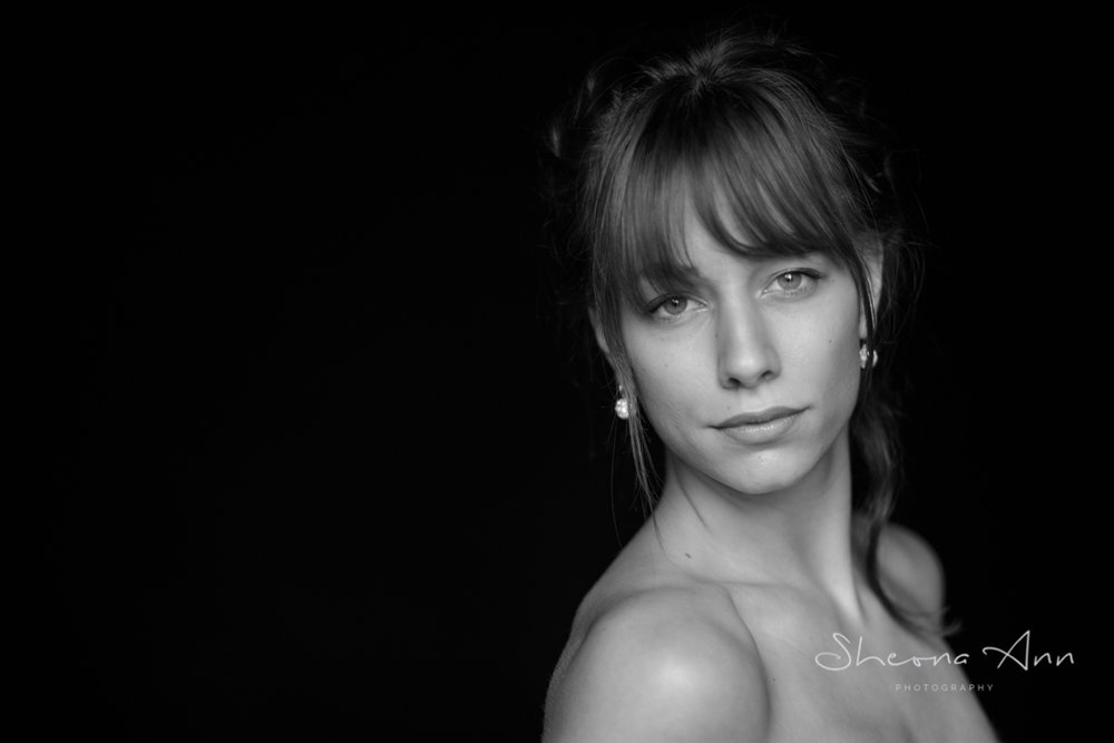pretty_woman_BW_portrait_Sheona-Ann-photography-AA_BW (1 of 1)-4.jpg