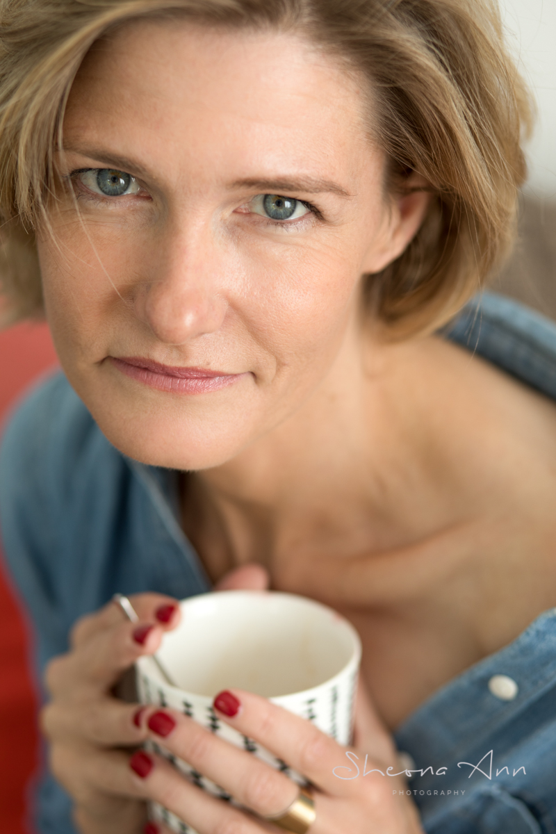 Beautiful_woman_drinking_tea_Sheona-Ann-photography (1 of 1).jpg