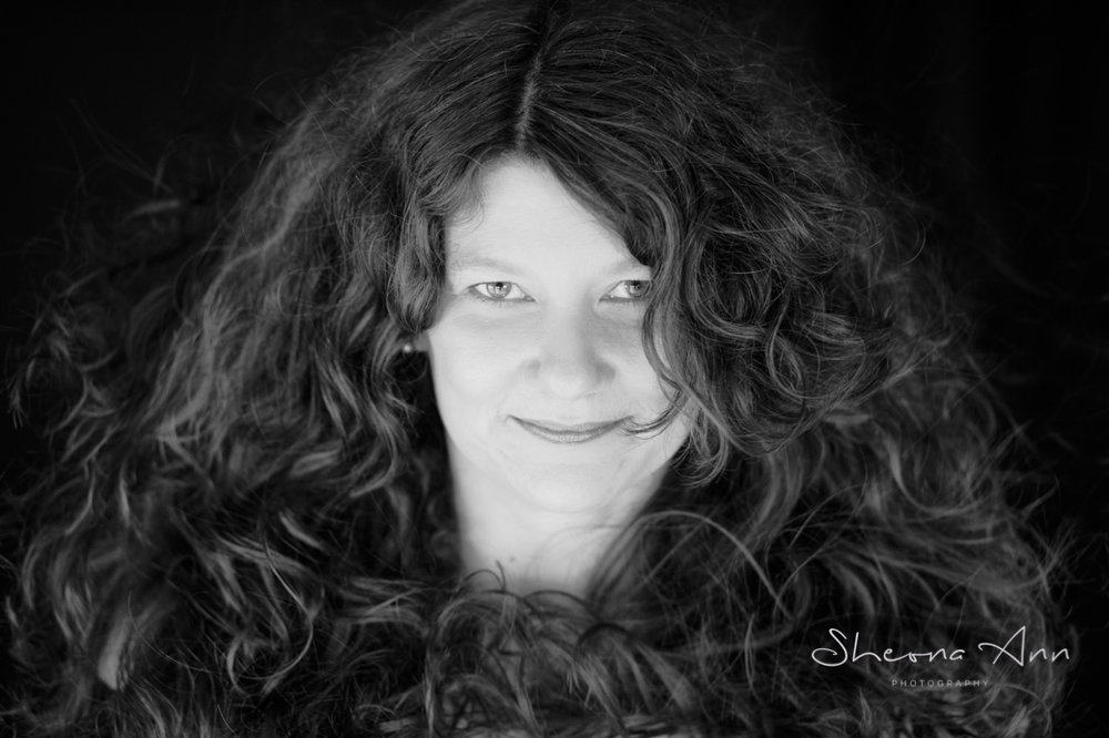 Big-hair-bw-sheona-ann-photography (1 of 1)-2 copy.jpg