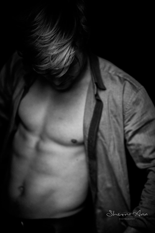 Aleks-bw-Sheona-Ann-Photography (7 of 21).jpg