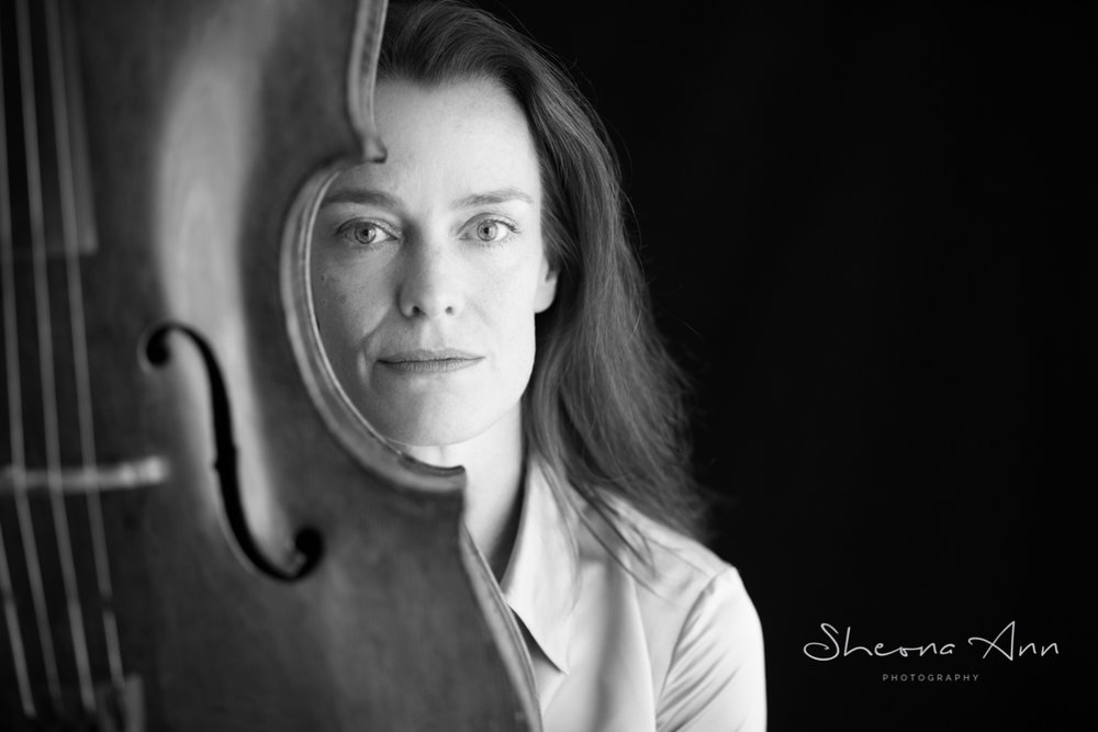 Boecker-Eva-cellist-bw-portrait-sheona-ann-photography (1 of 1).jpg
