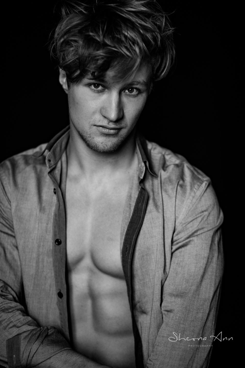 sexy-man-shirt-bw-portrait-Sheona-Ann-Photography (2 of 21).jpg