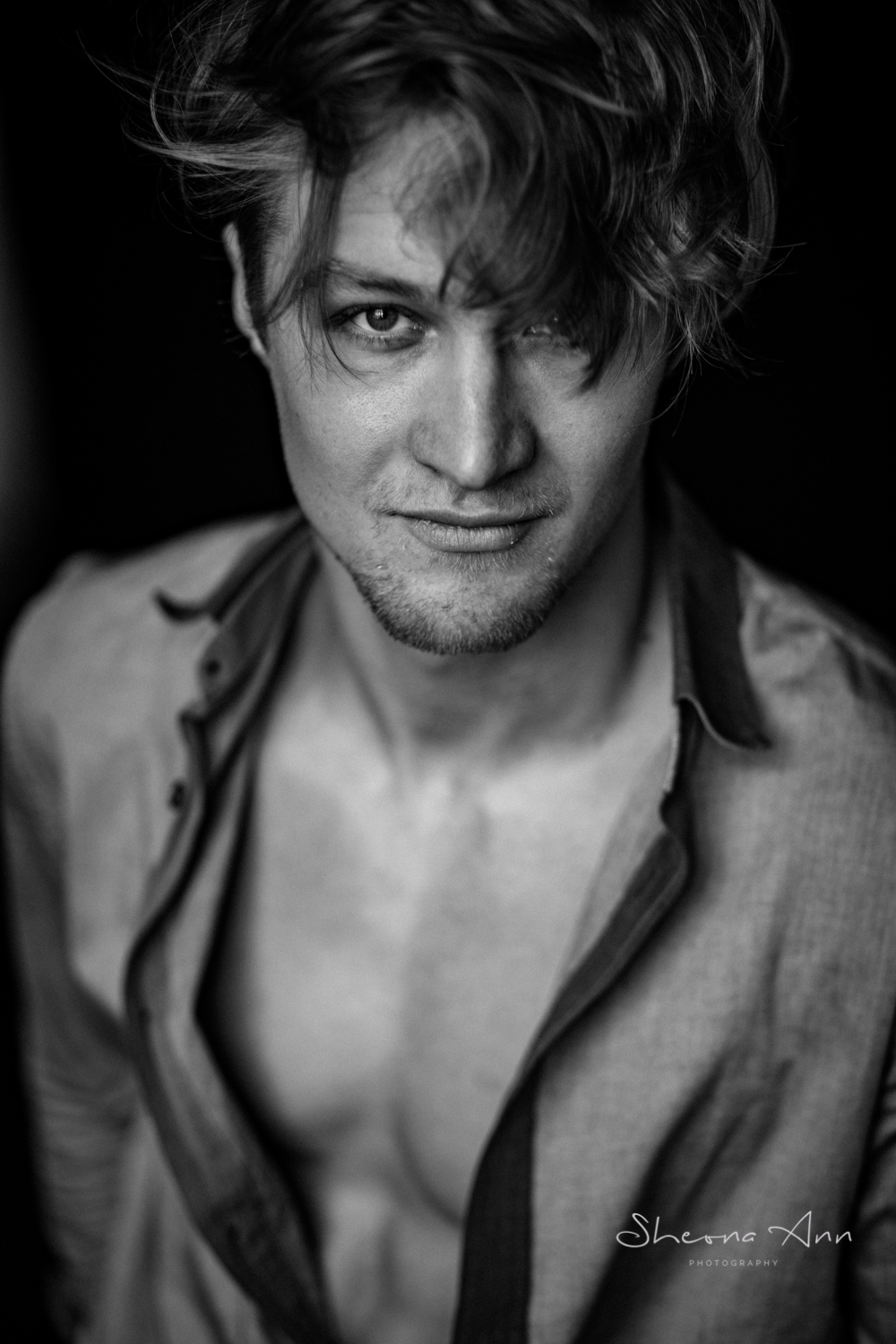 sexy-man-in-shirt-bw-portrait-sheona-ann-photography.jpg
