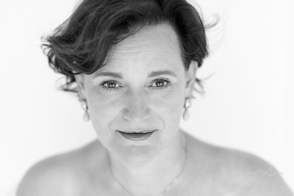 bright-eye-bw-woman-Sheona-Ann-Photography (1 of 1).jpg