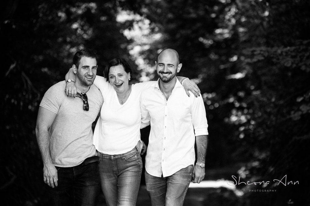 Mother_sons_laughing_sheona-ann-photography (1 of 1)-2.jpg