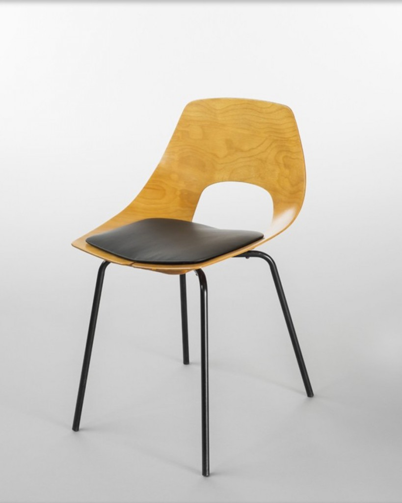 Pierre Guariche, chaise tonneau