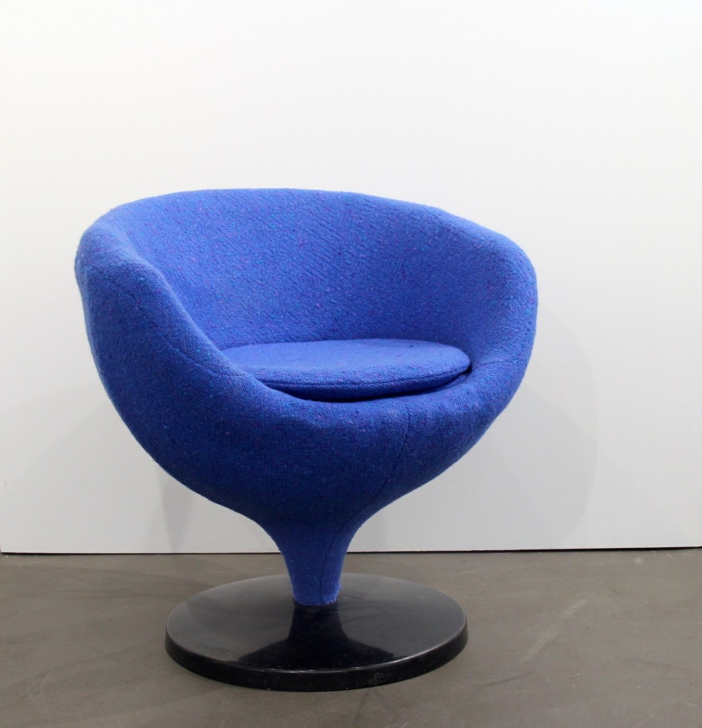Pierre Guariche, fauteuil en tissu de laine bleu, Edition Meurop, 1960