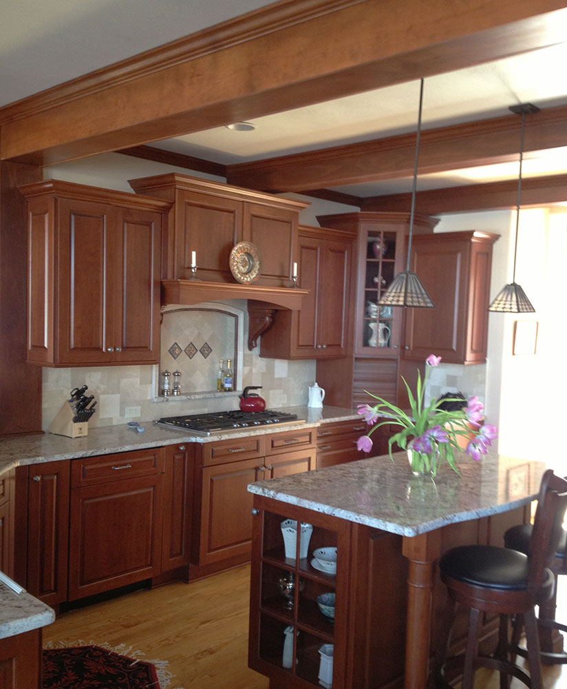 Kitchen-w-wood-beams.jpg
