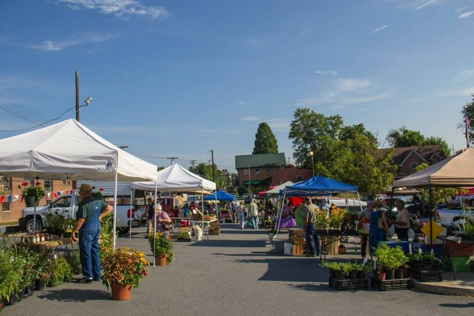 Hendersonville Tailgate Market - April - October / Saturday 8:00am to 12:00